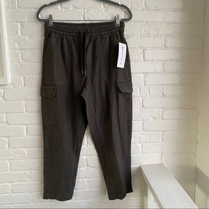 NWT Athleta Cargo Pants Size 6